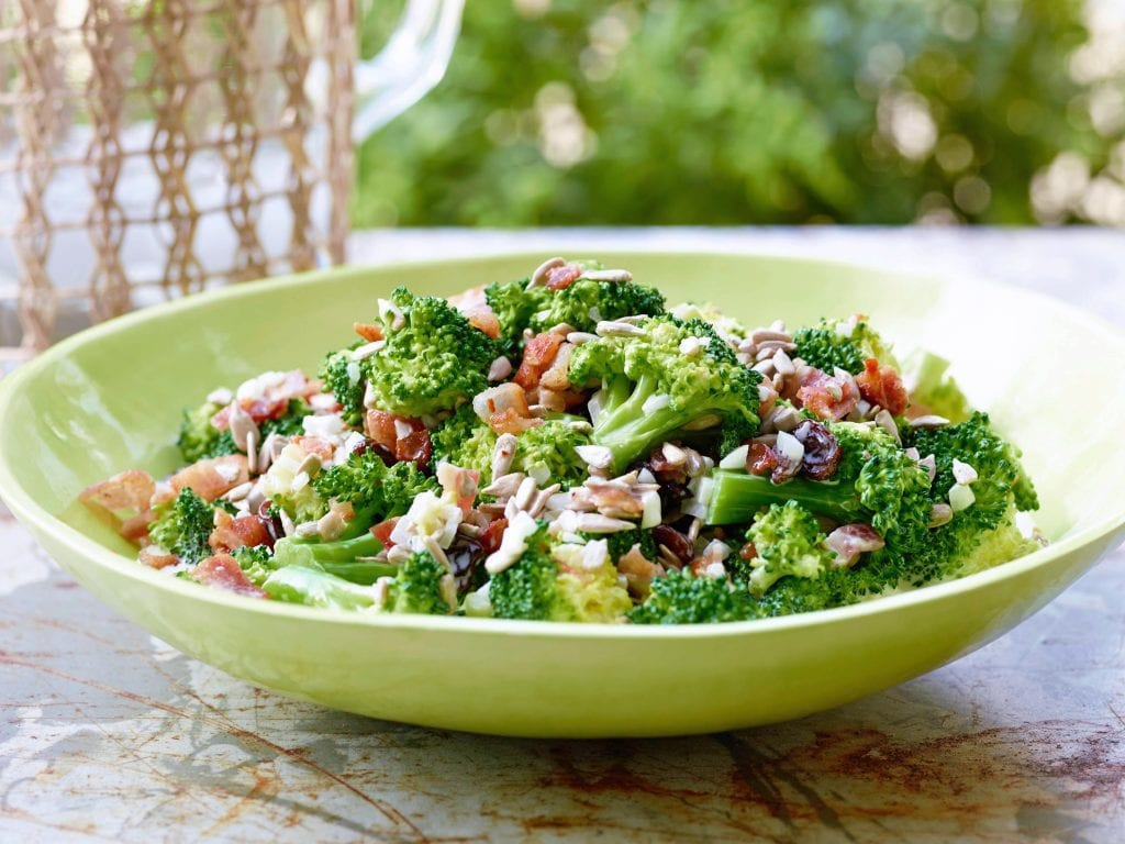 YW0302H_broccoli-salad-recipe_s4x3