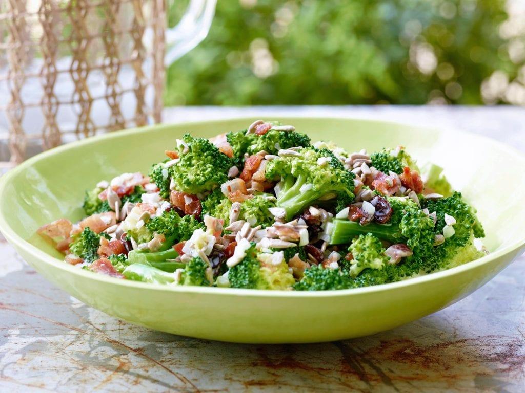 YW0302H_broccoli-salad-recipe_s4x3