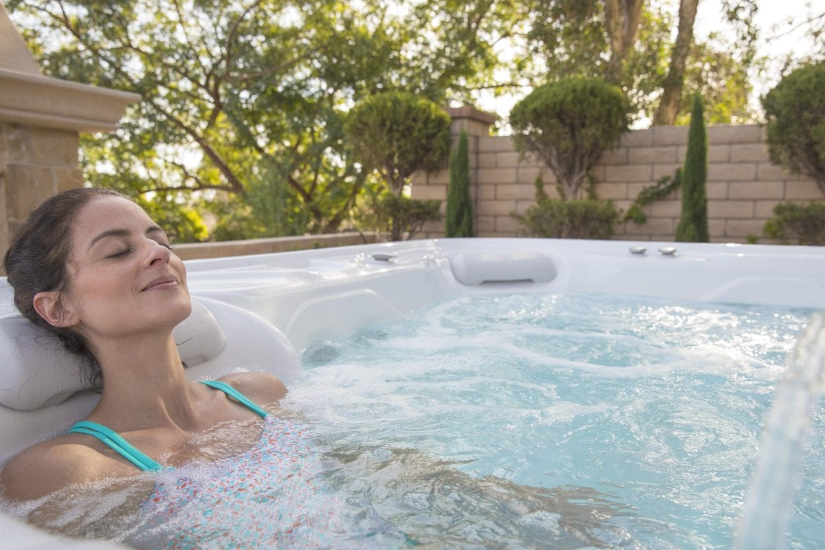 Is It Bad to Soak in a Hot Tub Before Exercise? - YEG Fitness