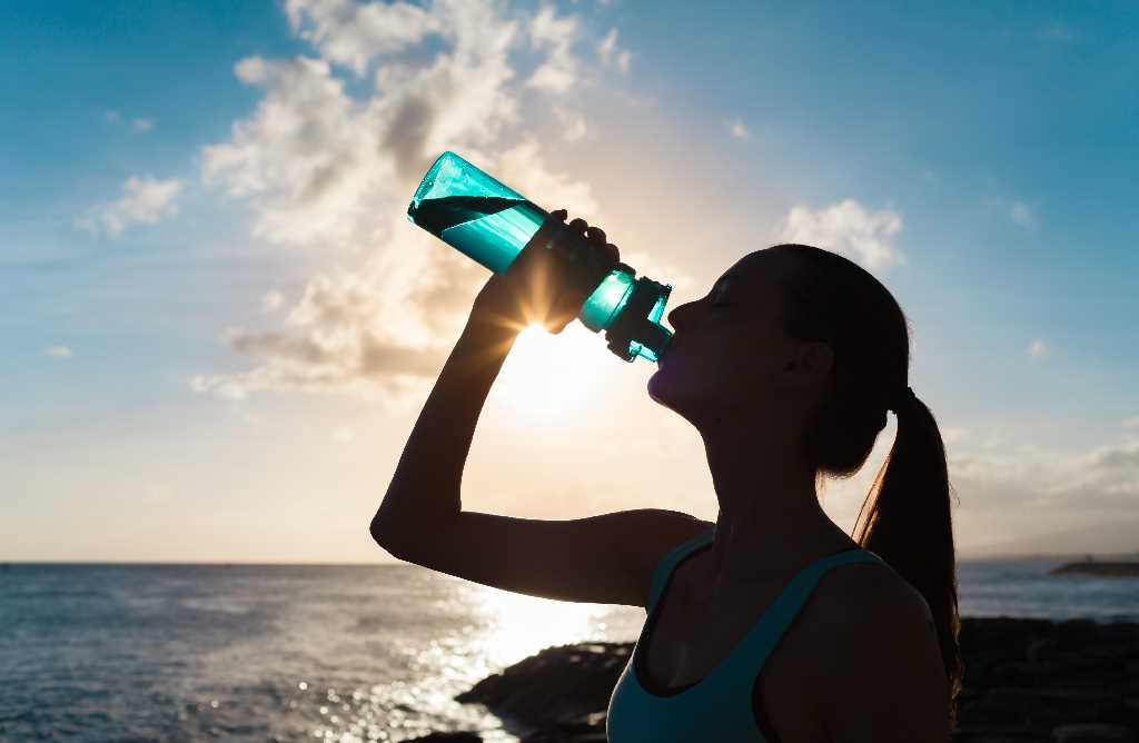 Hydration Tips: How to Stay Hydrated Before, During and After a Workout -  YEG Fitness